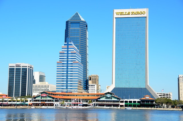 jacksonville skyline with wells fargo building